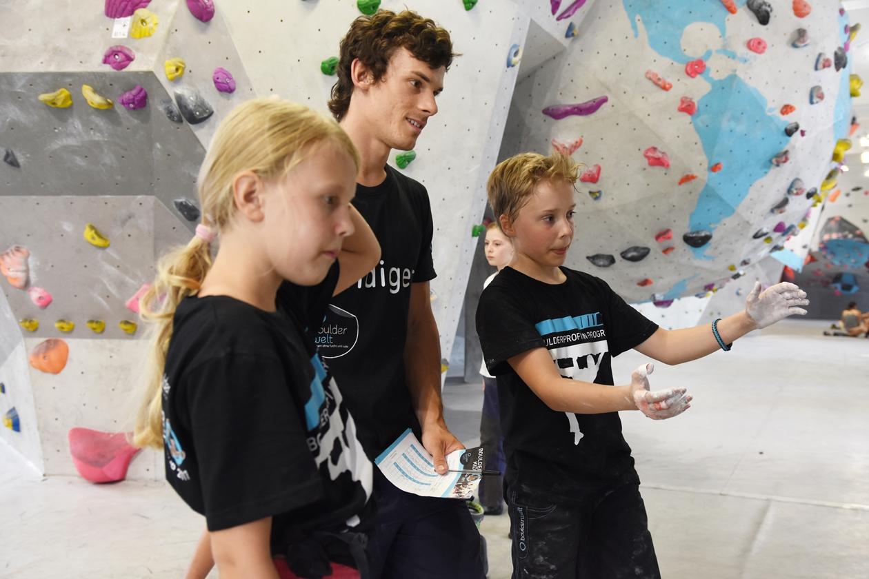 Die Boulderwelt Youngsters haben mit viel Power den Boulderkids Cup in der Boulderwelt München West gerockt.
